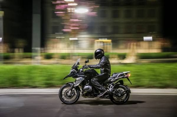 BMW R 1200 GS Triple Black_laterale sinistra_MilanoPlatinum