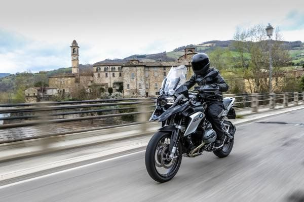 BMW R 1200 GS Triple Black_prova su strada_MilanoPlatinum