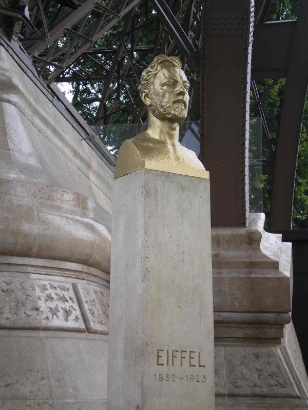 Gustave_eiffel-monument