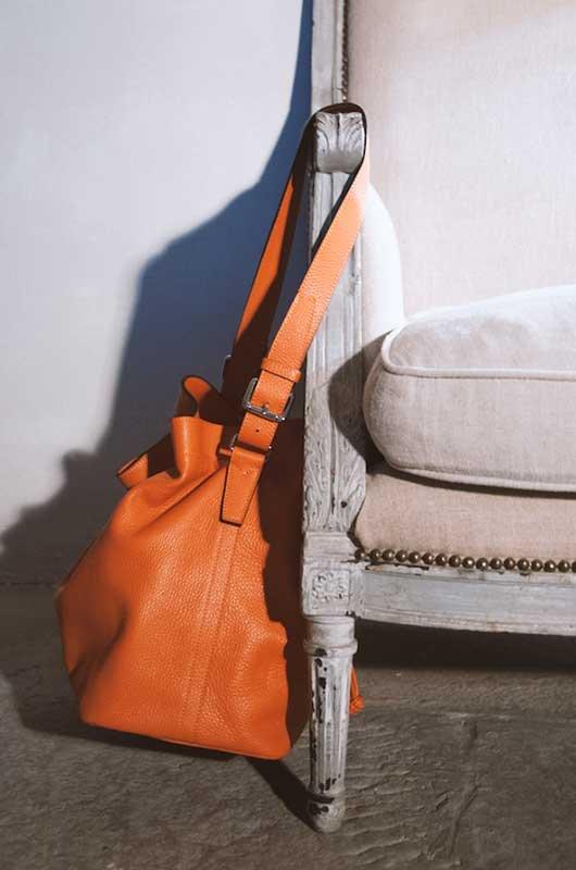 Giulia Miscali, il Made in Italy nel Principato di Monaco_Collection-24_1_borsa pelle lato fibbia_MilanoPlatinum