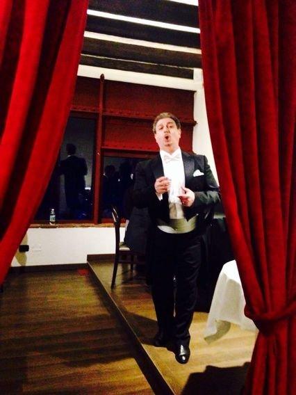 Pavarotti Milano Restaurant Museum: una cena con le stelle della lirica_esibizione_MilanoPlatinum