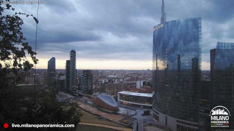 Il nuovo progetto di Milano Panoramica: la webcam al 20° piano del Bosco Verticale_panorama 1_MilanoPlatinum