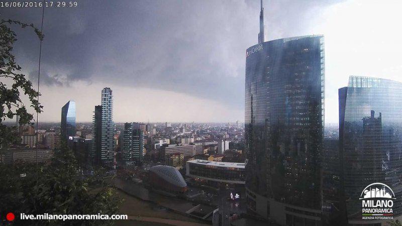Il nuovo progetto di Milano Panoramica: la webcam al 20° piano del Bosco Verticale_panorama 2_MilanoPlatinum