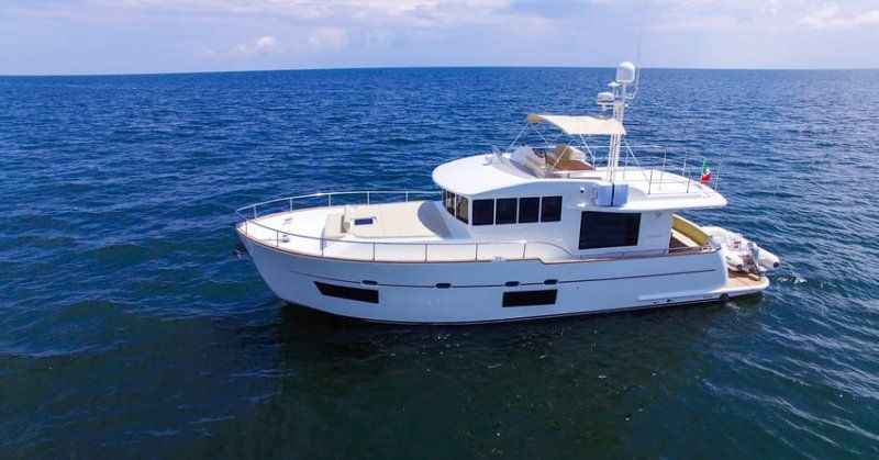 Cantieri Estensi lancia 535 Maine, il trawler per tutta la famiglia classico ma innovativo_535 Maine_MilanoPlatinum
