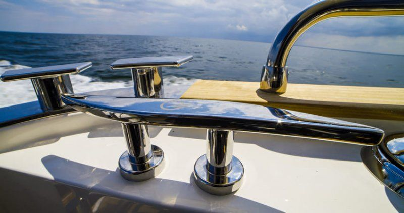 Cantieri Estensi lancia 535 Maine, il trawler per tutta la famiglia classico ma innovativo_dettaglio_MilanoPlatinum