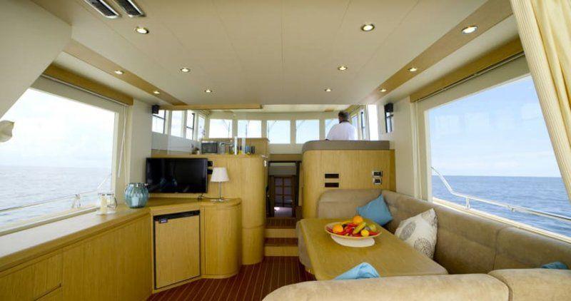 Cantieri Estensi lancia 535 Maine, il trawler per tutta la famiglia classico ma innovativo_interno2_MilanoPlatinum
