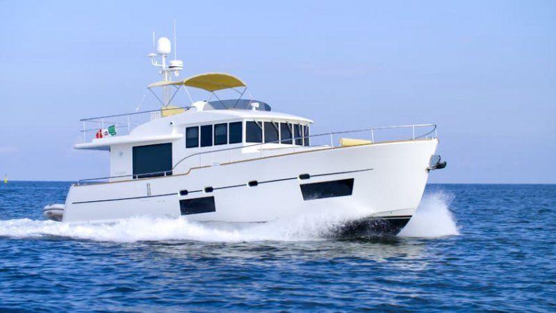 Cantieri Estensi lancia 535 Maine, il trawler per tutta la famiglia classico ma innovativo_535maine_MilanoPlatinum