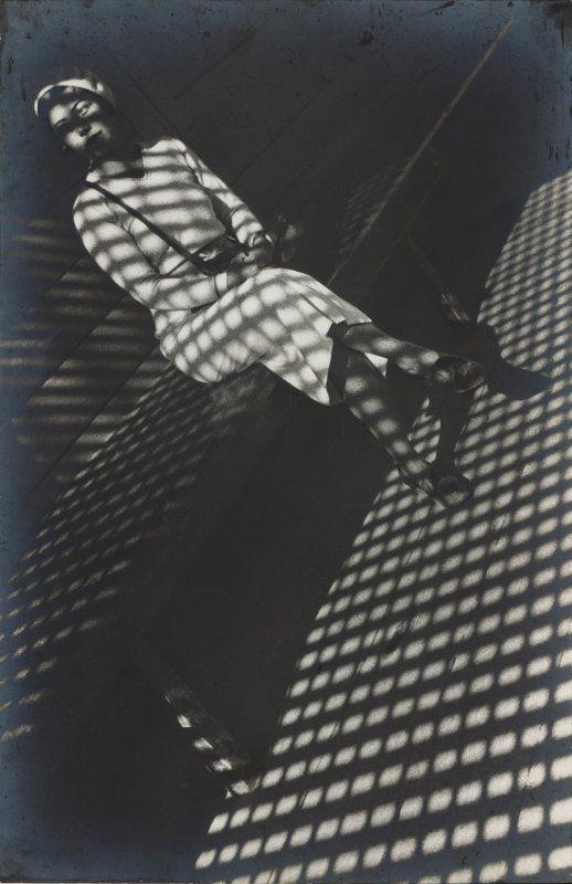 Aleksandr Rodčenko in mostra al LAC.foto_Rodchenko, Girl with a Leica, 1934_MilanoPlatinum