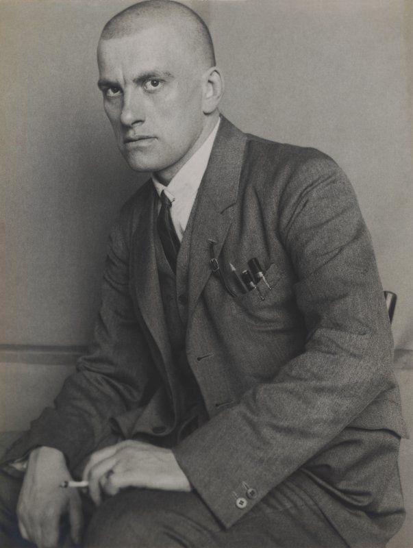 Aleksandr Rodčenko in mostra al LAC_foto_Rodchenko, Poet Vladimir Mayakovsky, 1924_MilanoPlatinum