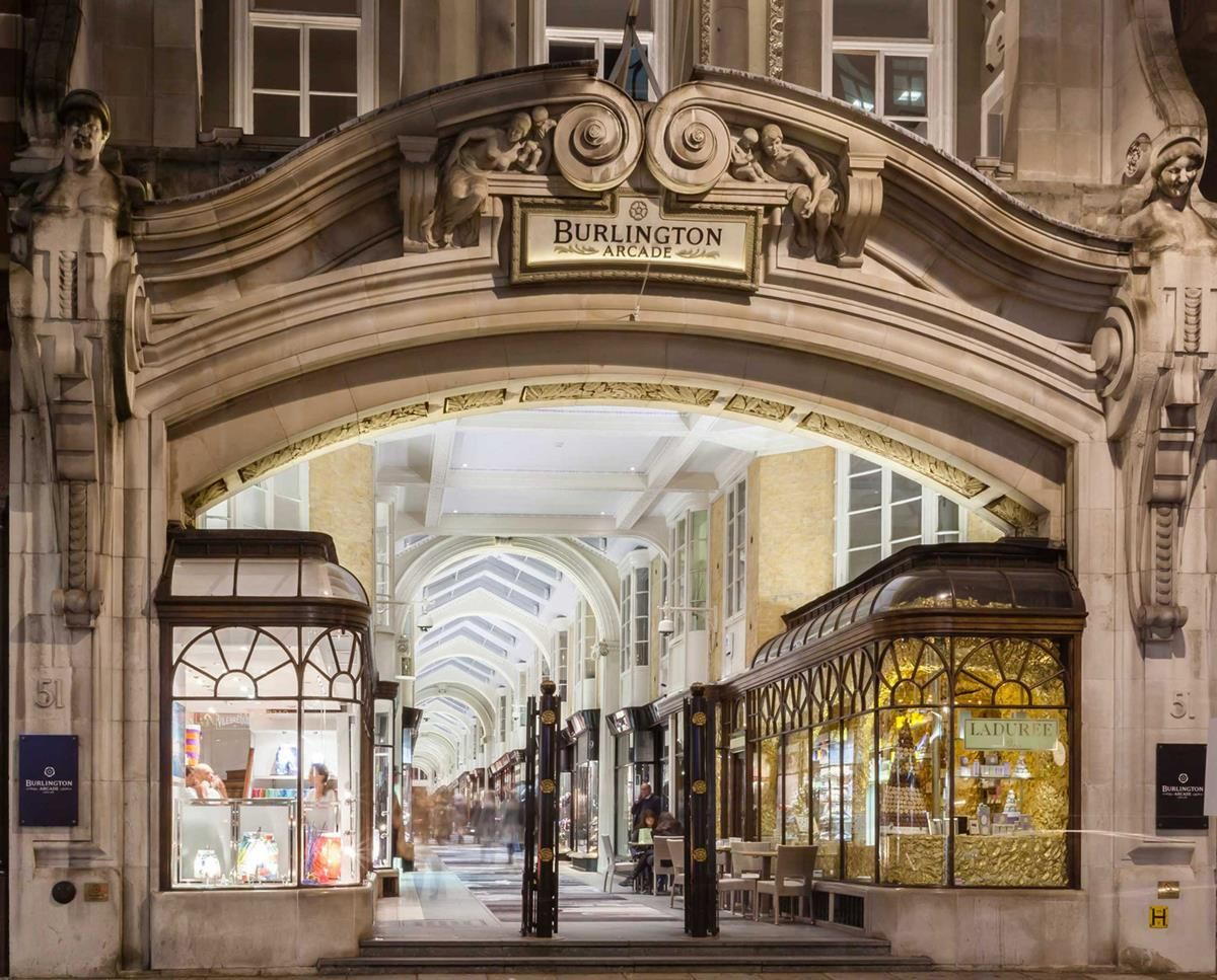 A Londra, la prima boutique Bell&Ross_BurlingtonArcade_MilanoPlatinum