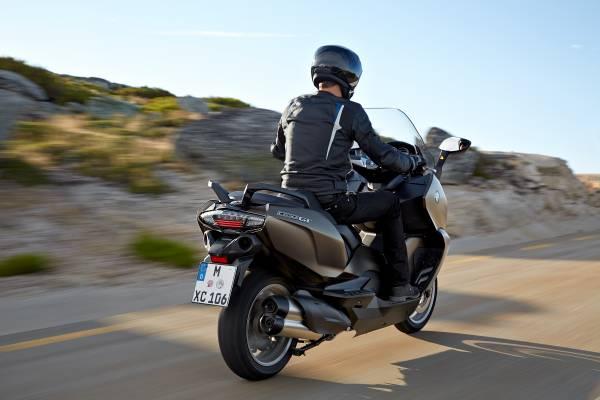 BMW C650 Sport e C 650 GT, maxi-scooter a confronto_GT posteriore_MilanoPlatinum