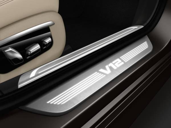 La nuova BMW M760Li xDrive_battitacco_MilanoPlatinum