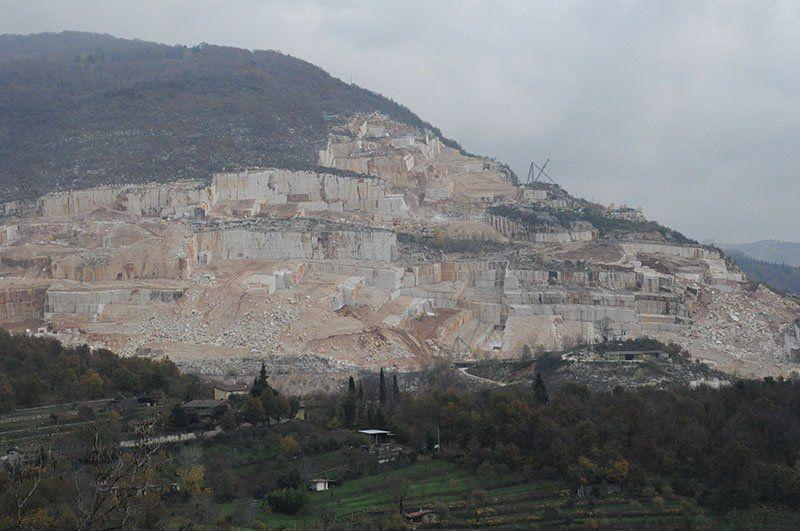 Botticino marmo e vino_paesaggio_MilanoPlatinum