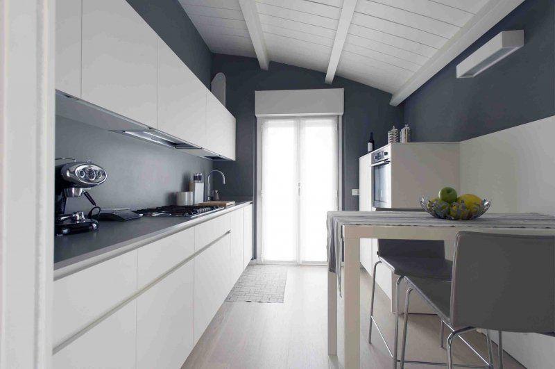 """Andrea Castrignano firma un nuovo interior project """"su misura""""_Cernusco credits Alan Pasotti_cucina_MilanoPlatinum"""