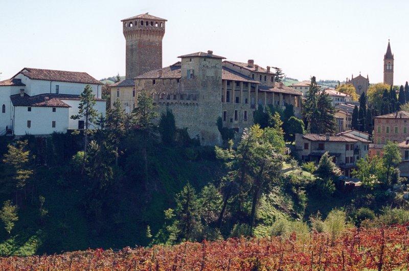 Castelvetro-di-Modena_Castello-Levizzano-Rangone