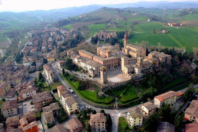 Castelvetro-di-Modena_centro-storico