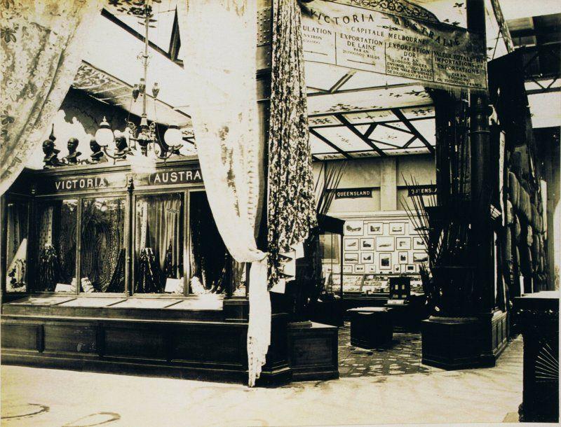 Expo 1867 Parigi - Padiglione Vittoriano - By anon (Life time c.1867) [Public domain], via Wikimedia Commons
