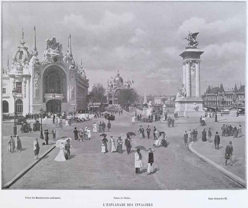 L'Esplanade_des_Invalides_Palais_des_manufactures_nationales_Palais_de_l'Italie_Pont_Alexandre_III_See-page-for-author-[Public-domain],-via-Wikimedia-Commons