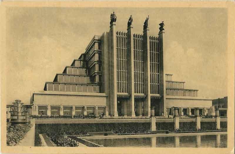 EXPO_Bruxelles_1935-B_By-Édition-Nouvelle---Bruxelles-(photographe-inconnu)-(Carte-postale---Postcard---Postkaart---Postkarte)-[Public-domain],-via-Wikimedia-Commons