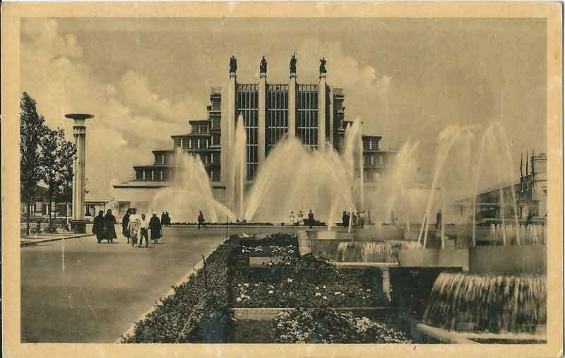 EXPO_Bruxelles_1935-G_By-Édition-Nouvelle---Bruxelles-(photographe-inconnu)-(Carte-postale---Postcard---Postkaart---Postkarte)-[Public-domain],-via-Wikimedia-Commons