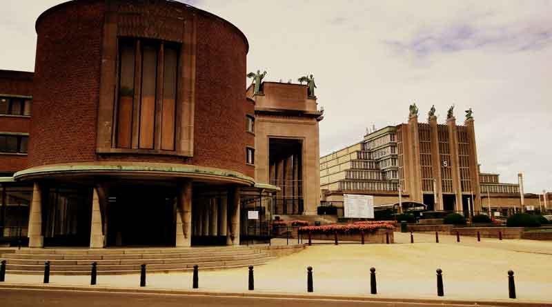 EXPO_58_HEYSEL_BRUSSELS_BEGIUM_JULY_2012_(7690709176)_By-calflier001-(EXPO-58-HEYSEL-BRUSSELS-BEGIUM-JULY-2012)-[CC-BY-SA-2.0],-via-Wikimedia-Commons