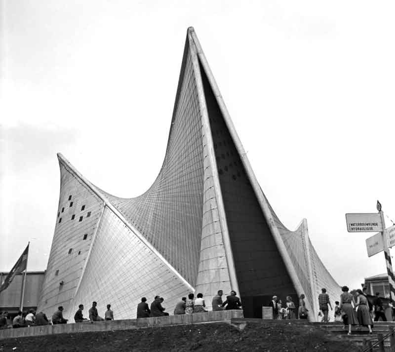 Expo58_building_Philips_By-Wouter-Hagens-(Own-work)-[GFDL-or-CC-BY-SA-3.0],-via-Wikimedia-Commons