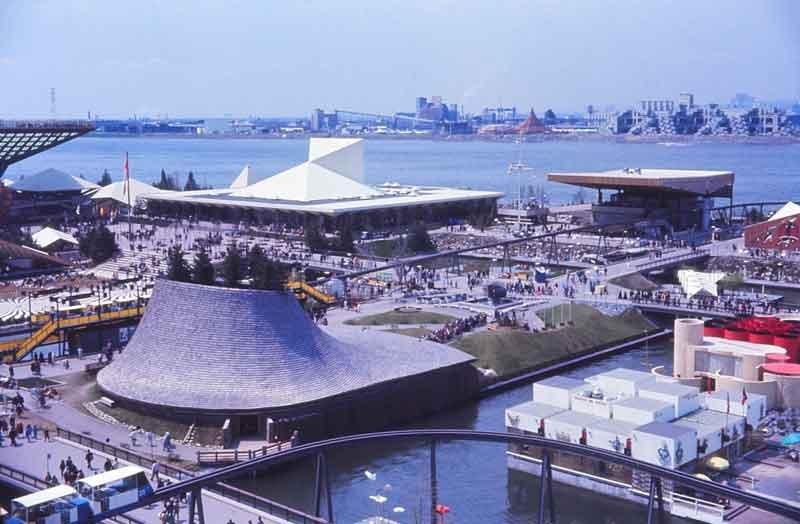 Expo_67,_île_Notre-Dame,_pavillons_Canada,_Provinces-de-l'Atlantique,_Provinces-de-l'Ouest,_Haïti_et_Monaco_By-Laurent-Bélanger-(Own-work)-[CC-BY-SA-3.0],-via-Wikimedia-Commons