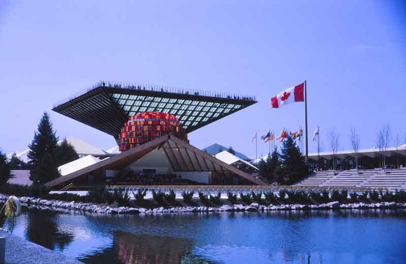 Expo_67,_pavillon_du_Canada_et_sa_pyramide_inversée_(_le_Katimavik)_By-Laurent-Bélanger-(Own-work)-[CC-BY-SA-3.0],-via-Wikimedia-Commons