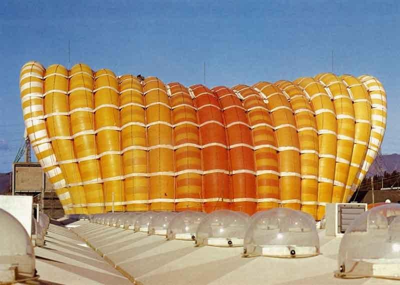 Fuji-Pavilion,_Osaka_Expo'70_By-kouij-OOTA-[CC-BY-2.0],-via-Wikimedia-Commons