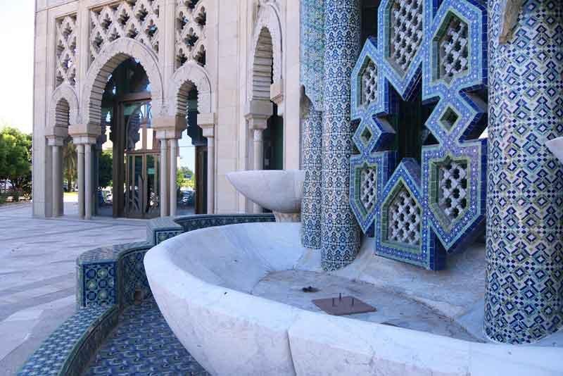 SIVIGLIA-1992-Pabellón_de_Marruecos_By-José-Luis-Filpo-Cabana-(Own-work)-[GFDL-or-CC-BY-3.0],-via-Wikimedia-Commons