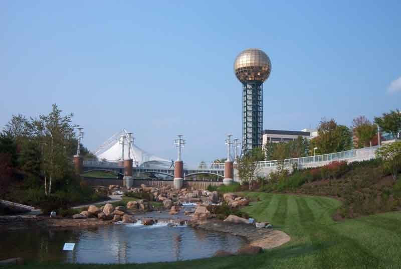 Sunsphere_By-JGlover-assumed-[CC-BY-SA-2.5],-via-Wikimedia-Commons