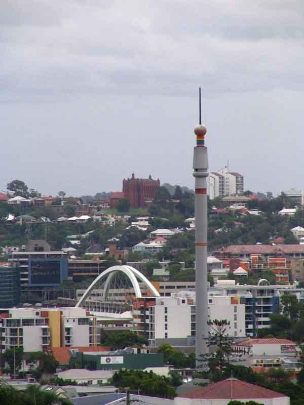 Thestefanskyneedleandthemerivalebridge_By_Foundationexpo88_The-Brisbane-Nepal-Peace-Pagoda-from-World-Expo-'88