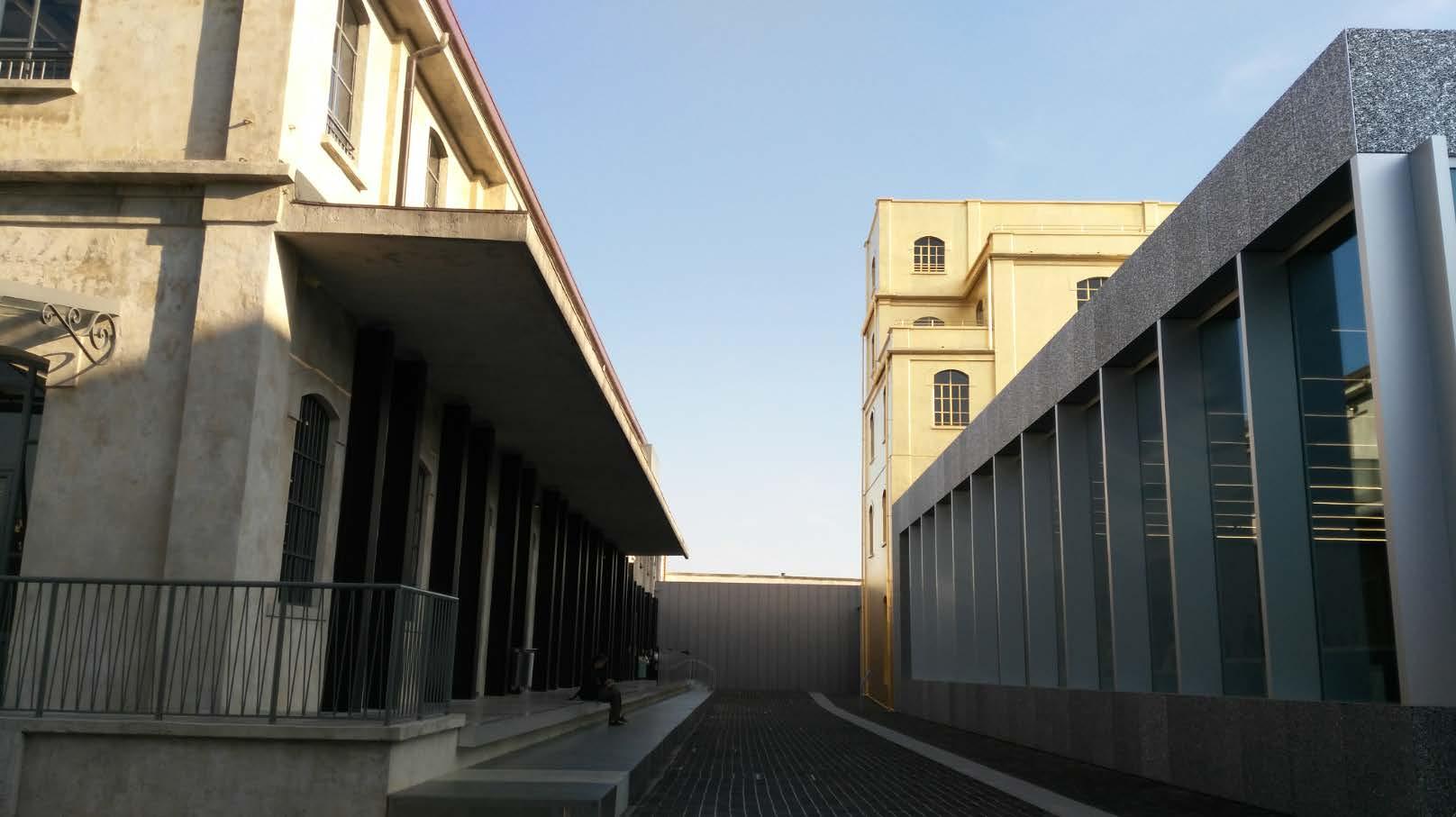 L'Armonia degli opposti: la fondazione Prada_street_MilanoPlatinum