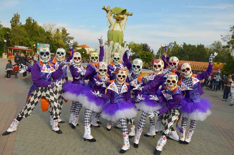 Gardaland-Magic-Halloween_teschi