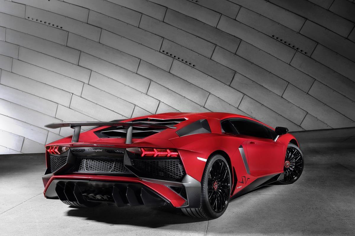 L'essenza di una super sportiva Lamborghini_retro_MilanoPlatinum