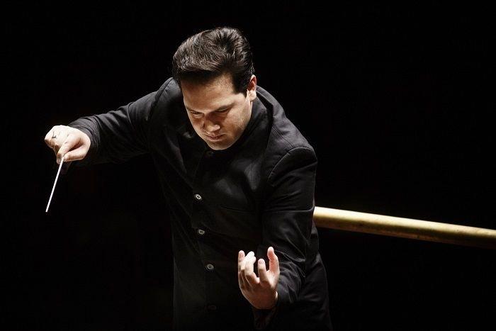 conductor Robert Trevino lead Santa Cecilia Orchestra