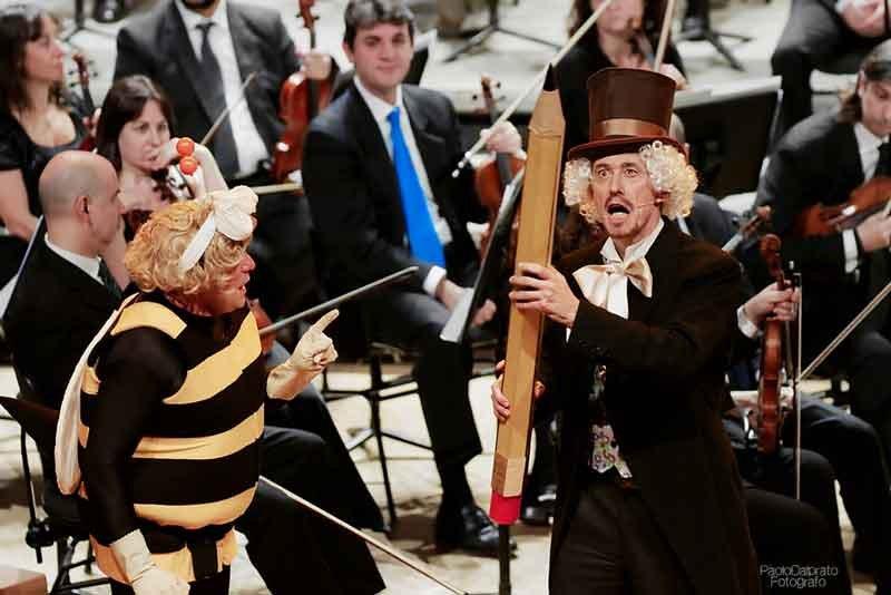 il-M°-Andrea-Oddone-dirige-laVerdi-nel-Crescendo-con-Nicola-Olivieri-e-Francesco-Montemurro---foto-Paolo-Dalprato-(11)