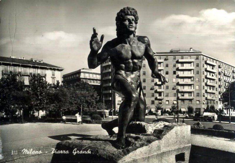 Milano - Piazza Grandi