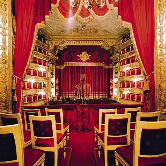 Liu Bolin Teatro alla Scala n° 1, Milano 2010 Courtesy: Boxart, Verona