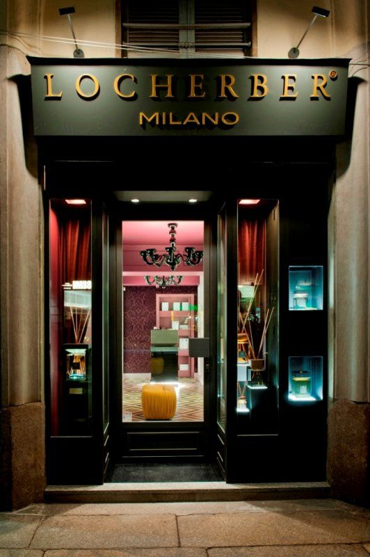 Un viaggio sensoriale all'interno della nuova boutique di Locherber Milano_ingresso esterno_MilanoPlatinum