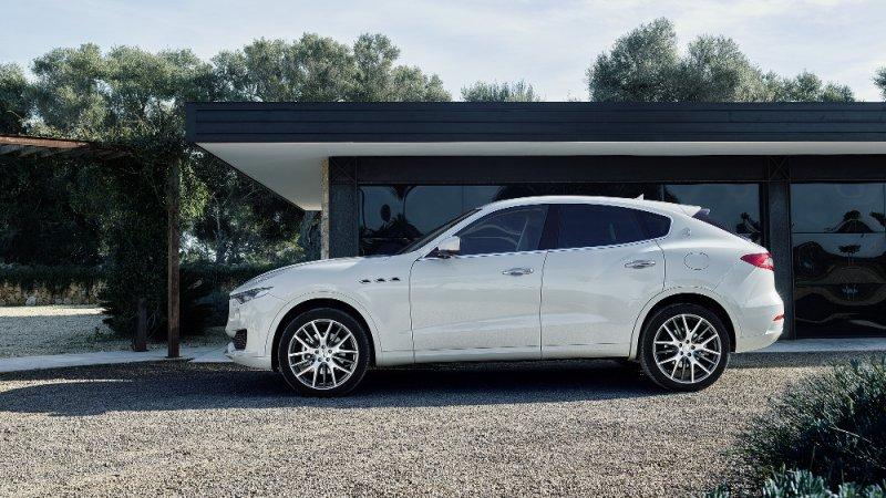 Maserati Levante debutta al Salone dell'Auto di Ginevra_esterno_MilanoPlatinum