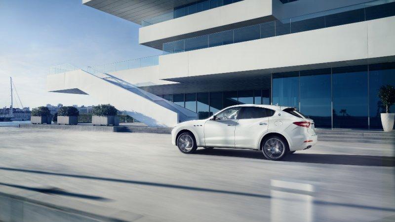 Maserati Levante debutta al Salone dell'Auto di Ginevra_guida in città_MilanoPlatinum