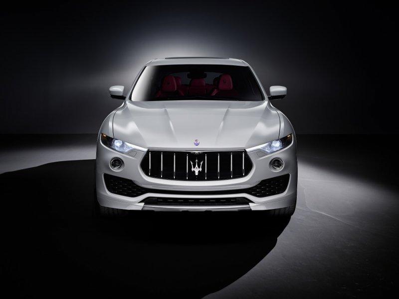 Maserati Levante debutta al Salone dell'Auto di Ginevra_vista frontale_MilanoPlatinum
