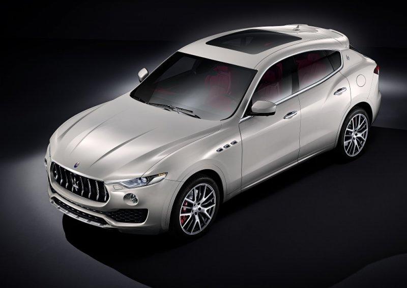 Maserati Levante debutta al Salone dell'Auto di Ginevra_vista lato dx_MilanoPlatinum
