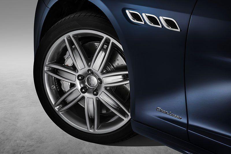 Nuova-Maserati-Quattroporte-restyling_cerchi-Granlusso_MilanoPlatinum