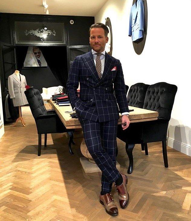 Tessuto italiano su modello inglese Massimo Pirrone_negozio_MilanoPlatinum