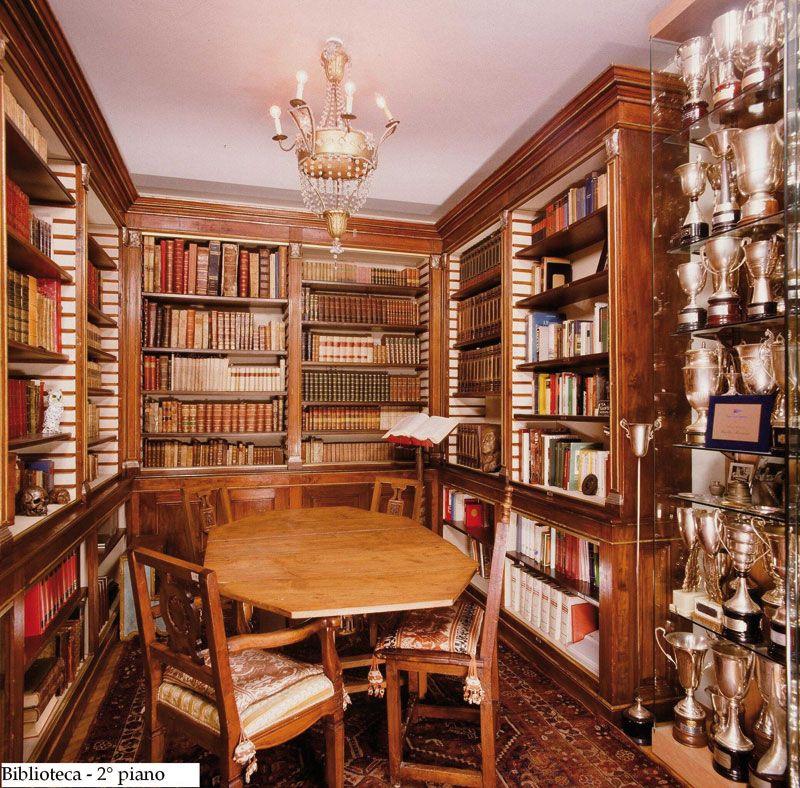 biblioteca 2° piano (t).JPG