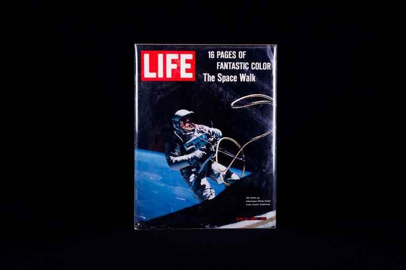 08.-NASA---A-Human-Adventure_La copertina di LIFE, dedicata al primo sbarco sulla Luna U.S.A. Photo courtesy of John Nurminen Events B.V.