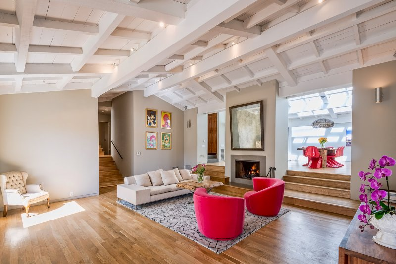 LA - Hillside Abode