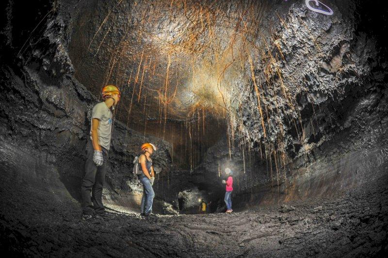 tunnels de lave sud sauvage grandes pentes, Salle creusée par la lave exploration